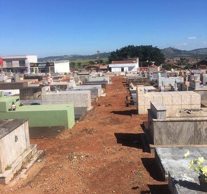 Cemitério Municipal passa por limpeza e melhorias