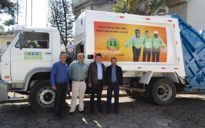 Novos caminhões de lixo começam a operar