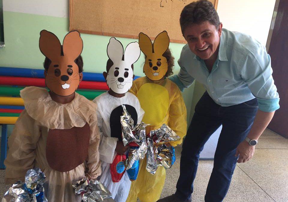 Ovos de Páscoa para os alunos das Escolas Municipais