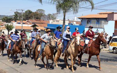 Cavalgada e encontro de violeiros